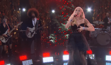 Gwen Stefani Gives Rocking Rendition of Christmas Song on 'Corden'