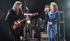 Chris Stapleton, Brandi Carlile Sing 'Hunger Strike' at Chris Cornell Tribute