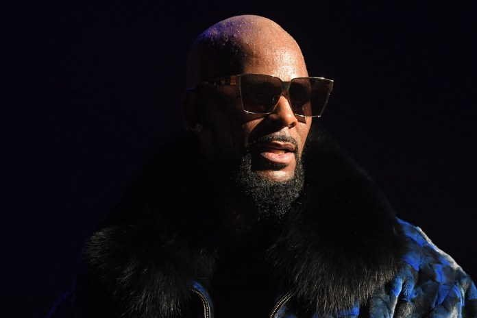 ATLANTA, GA - DECEMBER 27: R. Kelly Performs During the Hliday Jam at Fox Theater on December 27, 2016 in Atlanta, Georgia. (Photo by Prince Williams/WireImage)