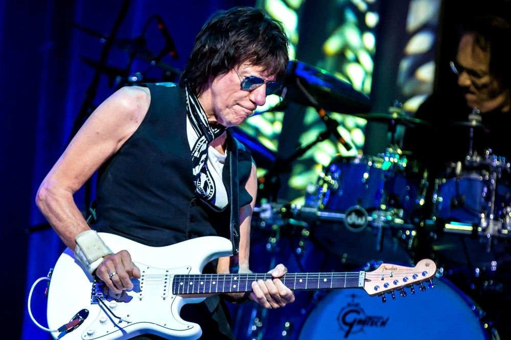 medium resolution of jeff beckjeff beck in concert acl live moody theater austin usa 26