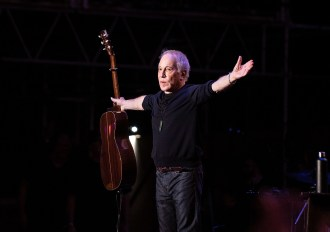 Watch Paul Simon Perform 'Cecilia' With Michael McDonald in Hawaii