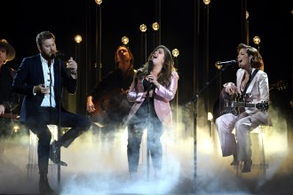 Halsey, Lady Antebellum Perform 'Graveyard'/'What If I Never Get Over You' Medley at CMAs