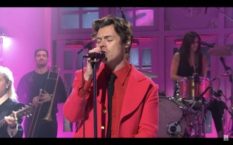 Watch Harry Styles Play Soulful 'Watermelon Sugar,' 'Lights Up' on 'SNL'