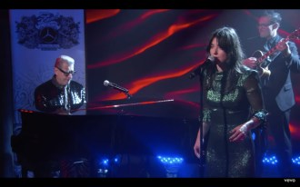 Watch Jeff Goldblum, Sharon Van Etten Play Jazz Song on 'Kimmel'