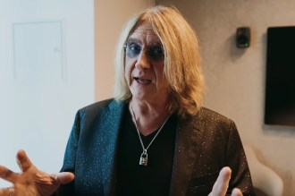 Def Leppard Post Behind-the-Scenes Video of Tour Announcement With Poison, Mötley Crüe
