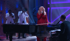 Watch John Legend And Kelly Clarkson Perform Updated 'Baby, It's Cold Outside'