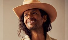 Draco Rosa Gets Transcendental in New 'Quiero Vivir' Video