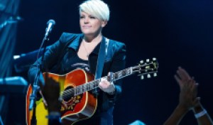 Dixie Chicks Tease 'Gaslighter' Song, Pull It Down, Post It Again