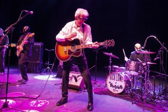 Nick Lowe Announces New EP, Drops 'Lay It on Me Baby'