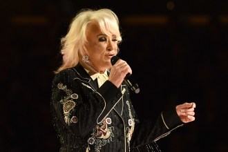 Tanya Tucker to Perform at Virtual Concert for Love and Acceptance
