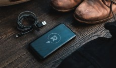 The Drop-Proof Aluminum Charger With 5-Star Reviews is Finally Back in Stock