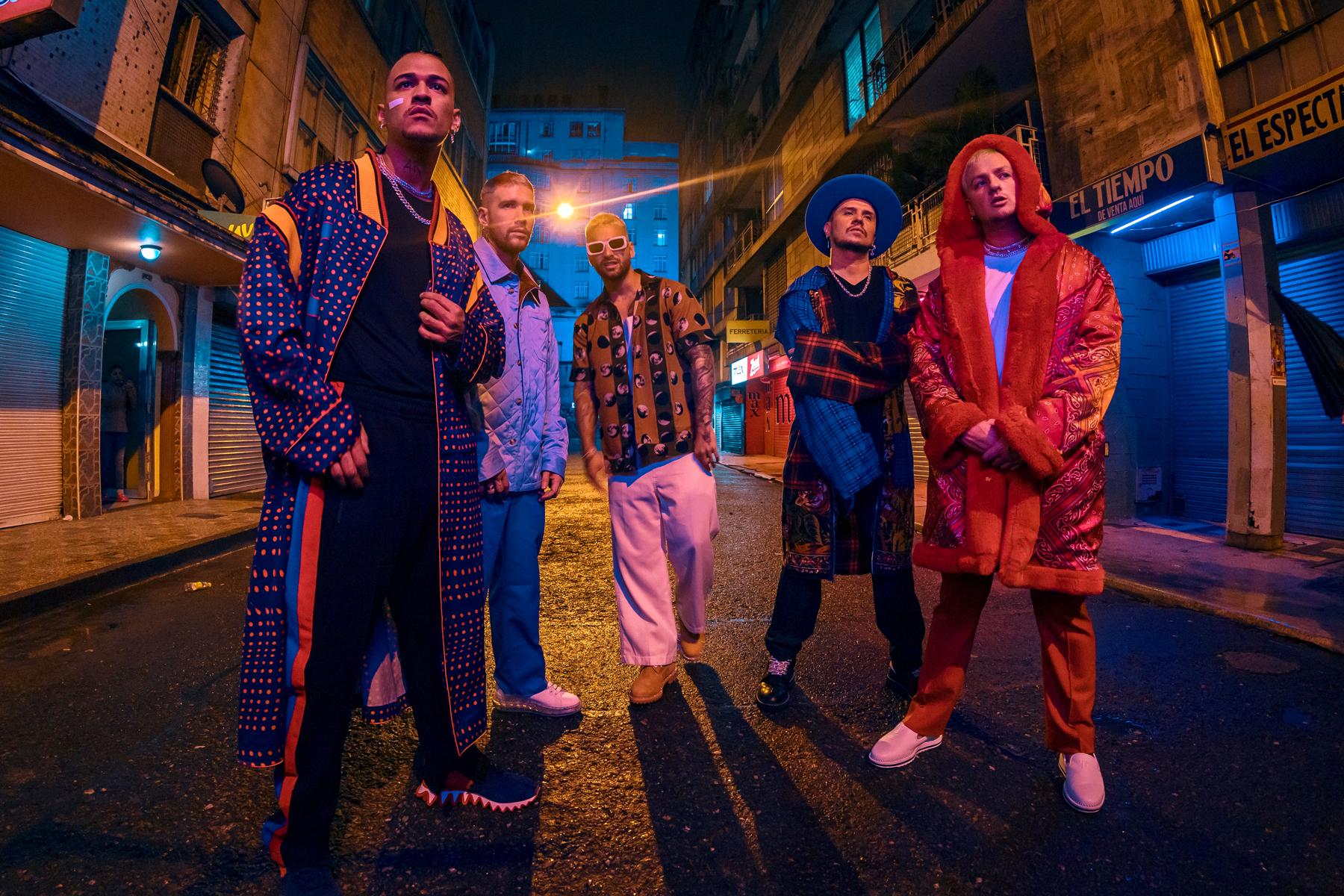 Piso 21, Maluma Share Video for 'Más De La Una' - Rolling Stone