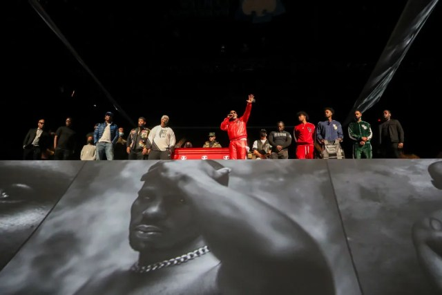 "NEW YORK, NEW YORK - APRIL 24: Styles P, Drag-On, Darrin ""Dee"" Dean, Swizz Beatz and Joaquin ""Waah"" Dean speak during the Memorial Service Held For Rapper DMX at Barclays Center on April 24, 2021 in New York City. (Photo by Johnny Nunez/Getty Images,)"