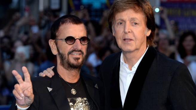 Ringo Starr und Paul McCartney.