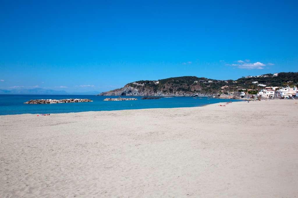 Riapertura delle spiagge nella Regione Lazio. Che cosa ci dovremo aspettare!