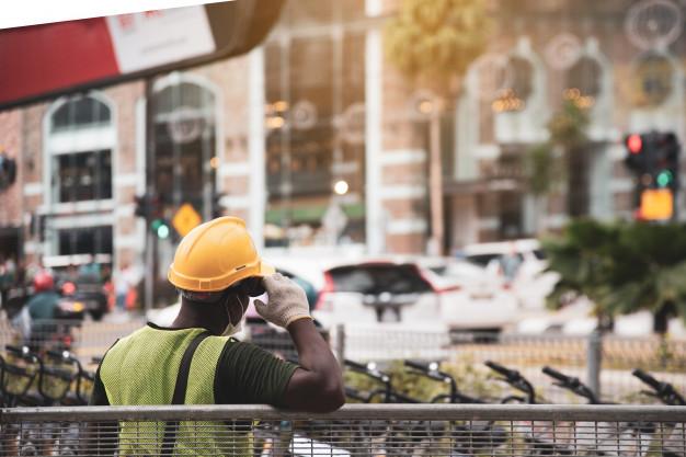 Circa 200.000 lavoratori a rischio secondo il sindacato CISL.                                              – vertenze da risolvere-