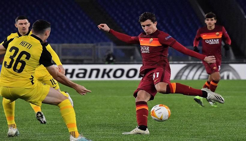 Roma-Young Boys 3-1: super gol di Calafiori. I giallorossi primi del girone