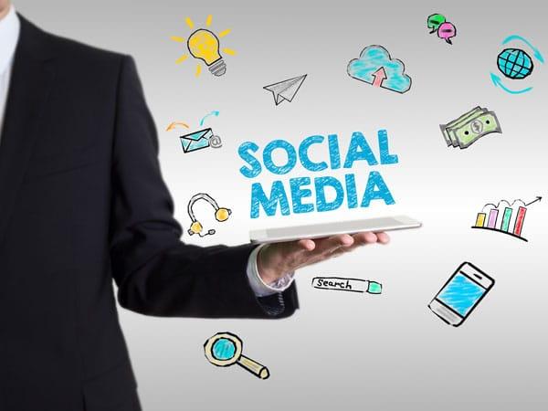 Da LinkedIn a Instagram, chi sono i top manager più seguiti sui social