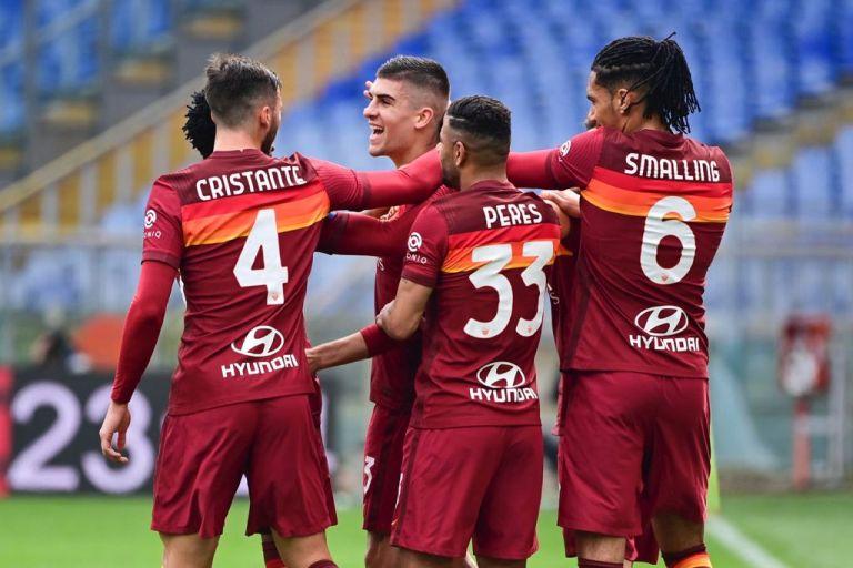 Roma 1-0 Genoa: i capitolini non mollano il treno per la Champions