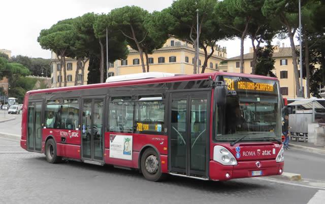 Raggi, in arrivo a Roma 82 nuovi bus. Si aggiungeranno agli oltre 700 già messi su strada dal 2016