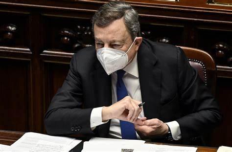 Draghi: 'Mobilitarsi per riaprire scuole e organizzare i trasporti'