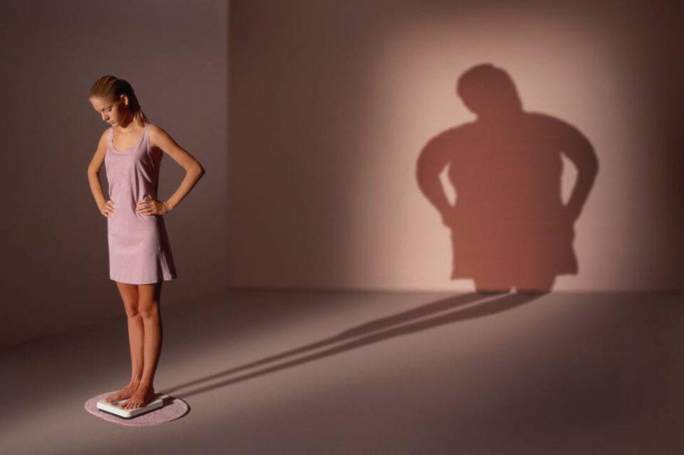 Cosa provoca anoressia e bulimia, e come affrontare i due disturbi