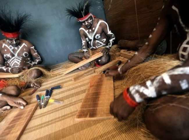 Senjata Tradisional Pahat