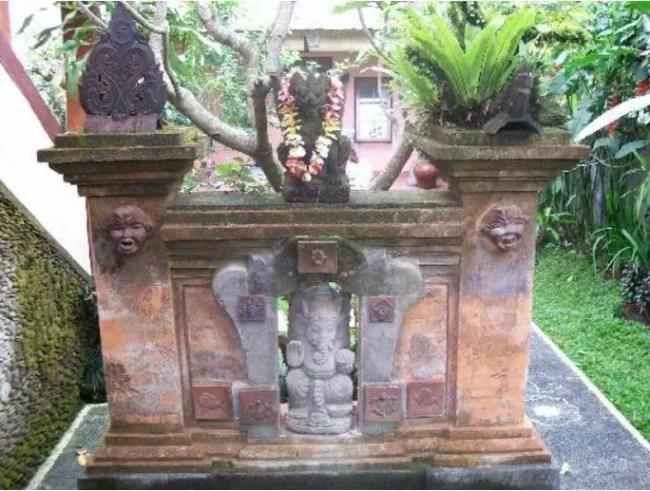 Aling Aling Rumah Adat Bali