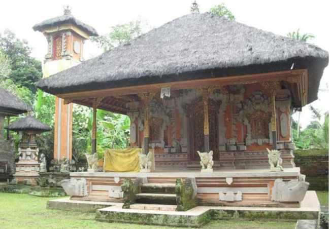 Bale Manten Pada Rumah Adat Bali