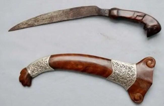 Senjata Tradisional Rambai Ayam Https Kitchenuhmaykoosib.com