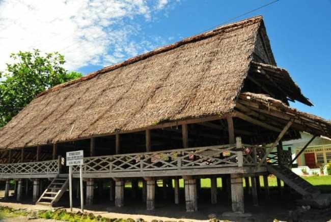 Gambar Rumah Lamin