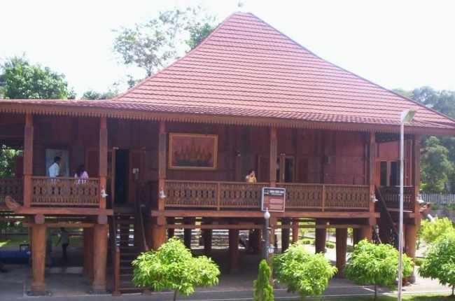 Gambar Rumah Nuwo Sesat