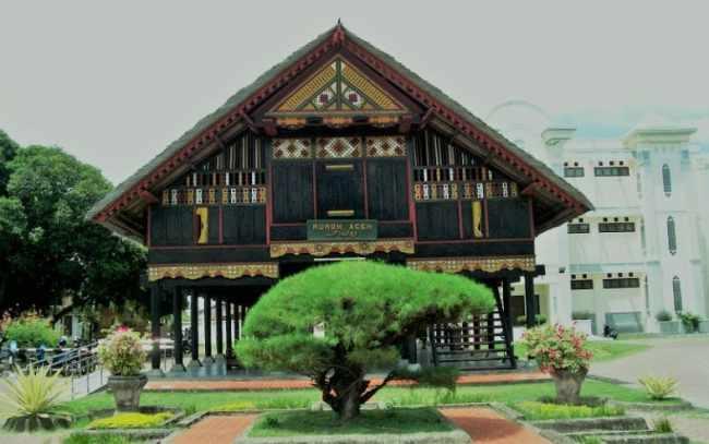 Gambar Rumoh Aceh