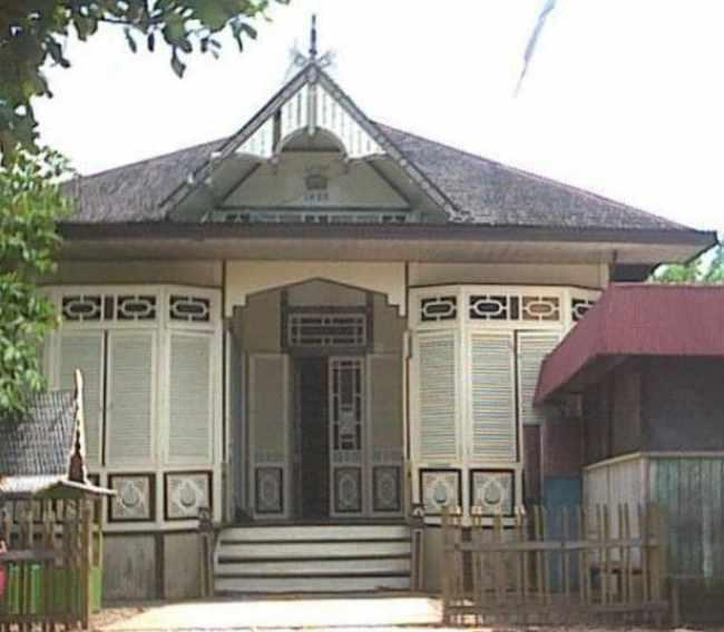 Rumah Bangun Gudang