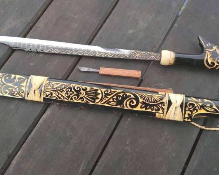 Senjata Tradisional Kalimantan Selatan