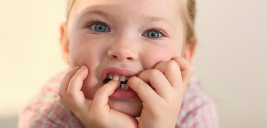 Risultati immagini per mangiarsi le unghi