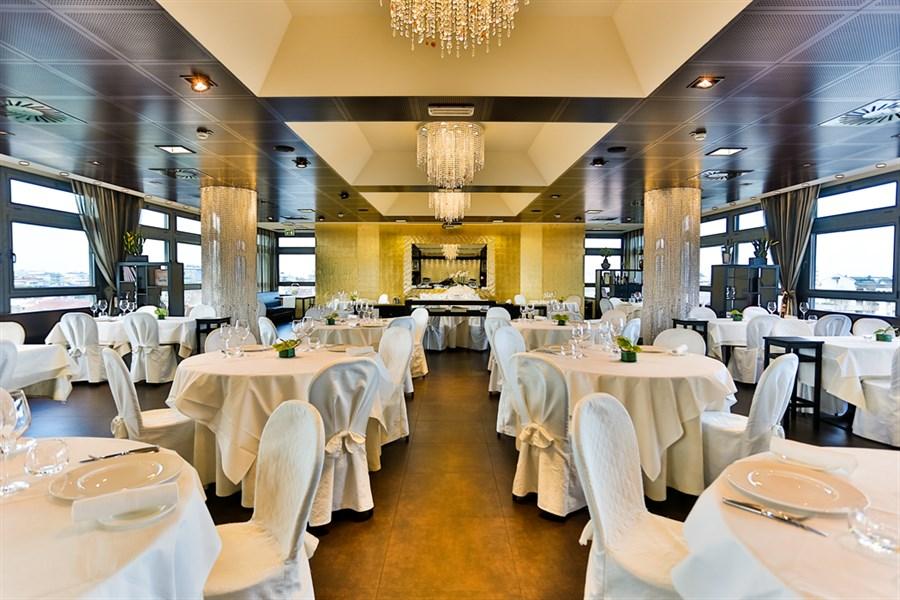 Quartopiano Suite Restaurant a Rimini  Consigliato da