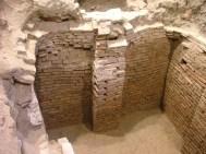 I lavori di restauro e ristrutturazione del Palazzo del Monte di Pietà – promossi dalla Fondazione per farne la propria sede - contemplarono lo scavo archeologico di tutto il piano terreno per un'area di quasi 800 mq.