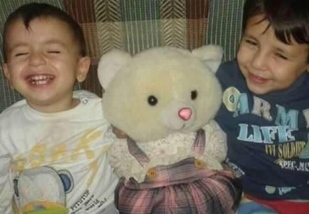 Aylan Kurdi, à gauche, et son frère Galip. Les deux enfants sont morts noyés en tentant de traverser la Méditerranée