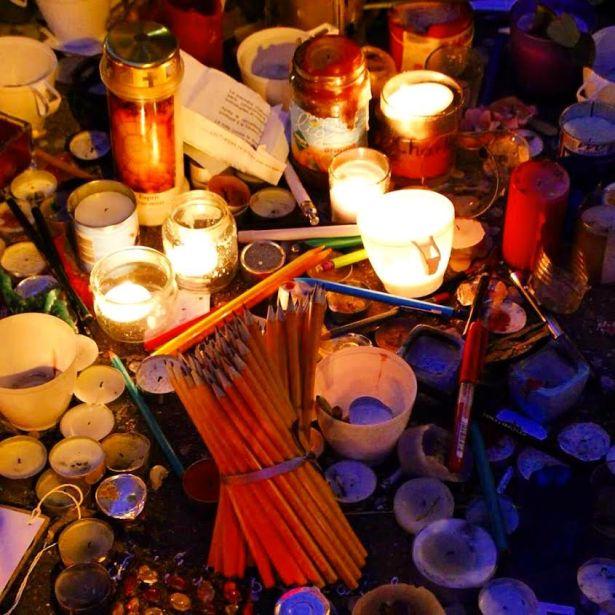 Paris Journal Charlie Hebdo 10 rue Nicolas Appert paris 75011 après le 7 janvier. Photo Mitra Etemad pour romainparis.fr - Tous droits réservés.