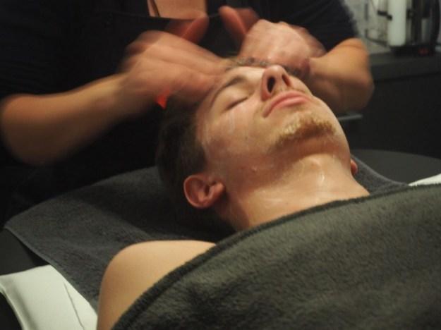 Nettoyage de la peau - Soin visage homme