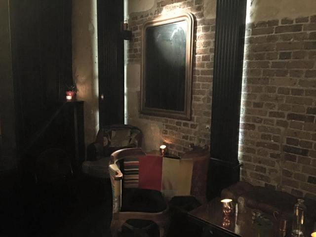 Little Red Door Bar à cocktails et bières Paris
