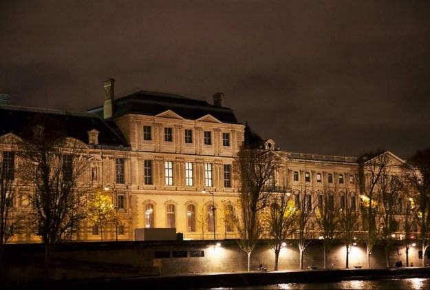 Paris Musée du Louvre depuis la Seine Croisière bateau mouche Vedettes de Paris