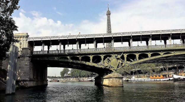 Paris la Seine et la Tour Eiffel - Photo blog site romainparis.fr