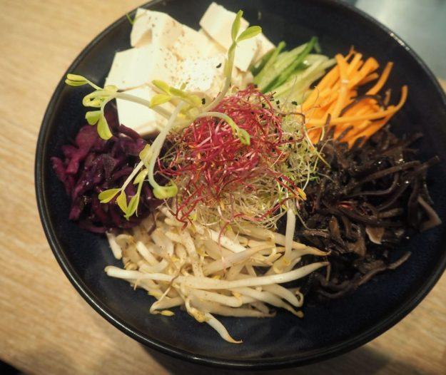 Salade de crudités asiatique ©Romainparis.fr