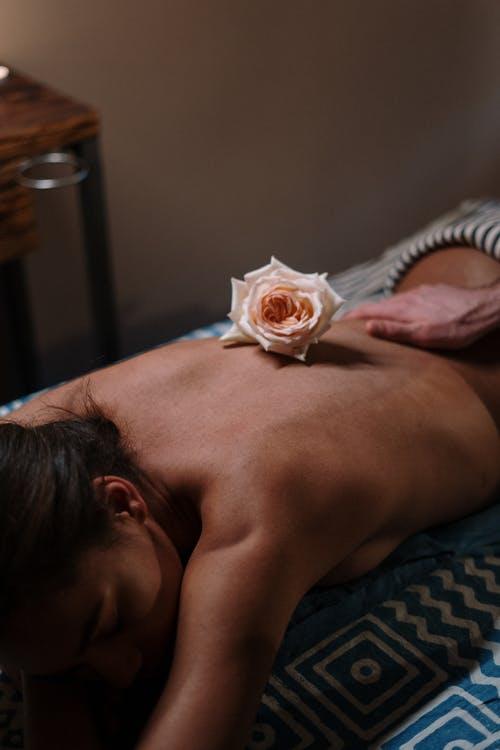 Comment le massage est inclus dans la thérapie psychocorporelle ?