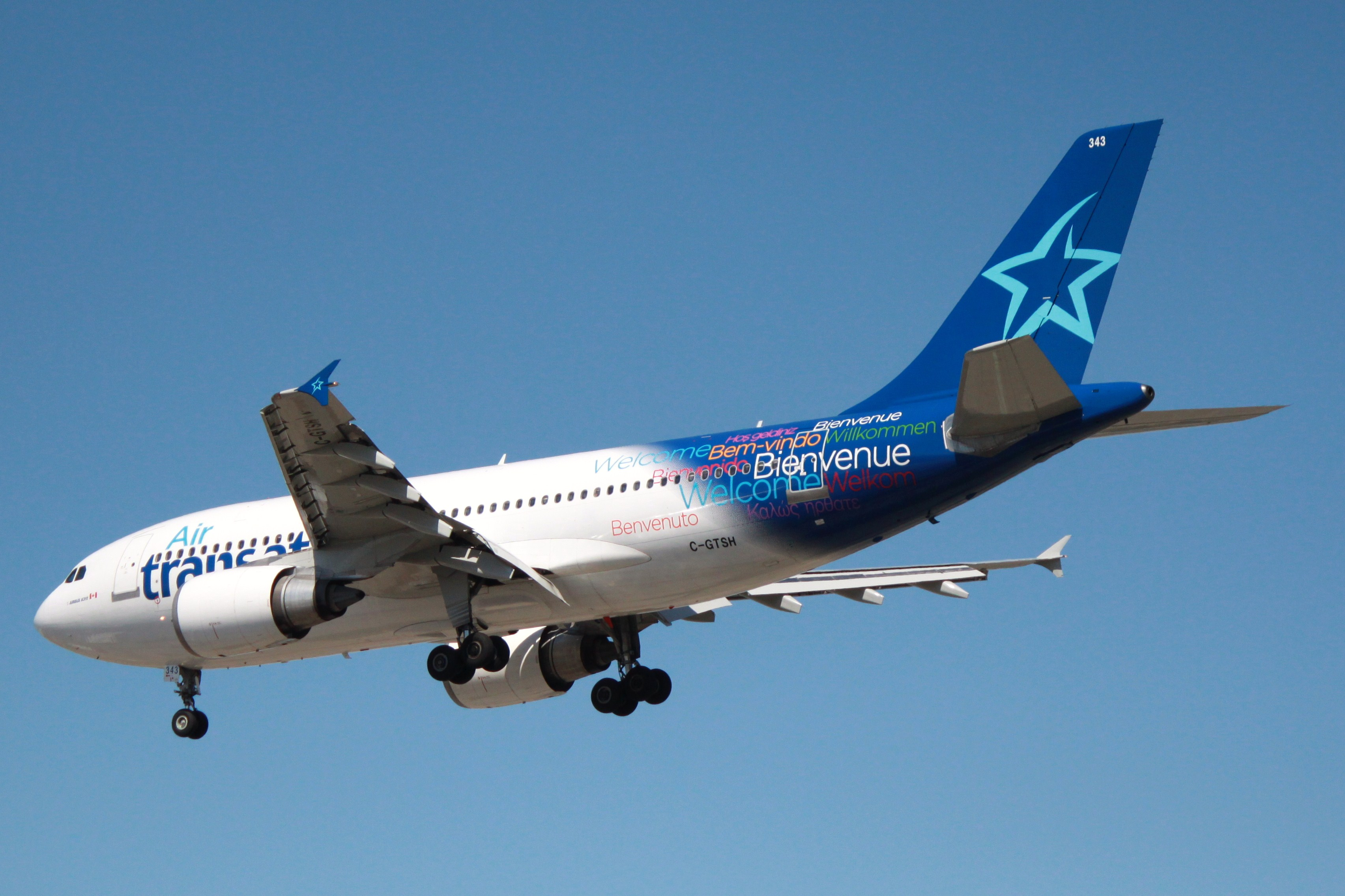 Air Transat named World's Best Leisure Airline   the Romance of Flight