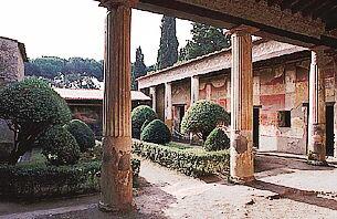 Daily excursions and sights near Rome Tivoli Villa DEste