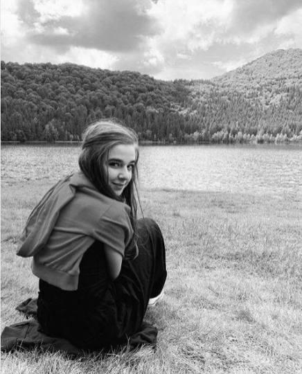 Larisa Dobrin_8
