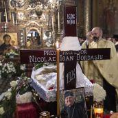 Bordasiu inmormantare1 - Foto Raluca Ene - Basilica.ro